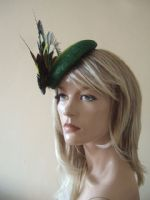 Green & Yellow Peacock Feathers with Crystal Brooch Ombre Fascinator for the Races, Ascot, Derby, Green Mother of the Bride Hat. Peacock Fascinator. Peacock Royal Ascot Hats.